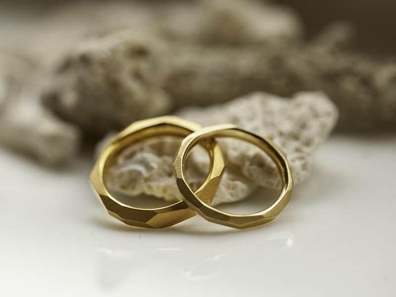 Về 3 mẫu nhẫn vàng nữ 10k, 14k và 18k thường có màu sắc tương đương giống nhau