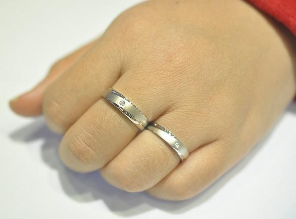 Mẫu nhẫn vàng trắng dễ tạo nhiều kiểu
