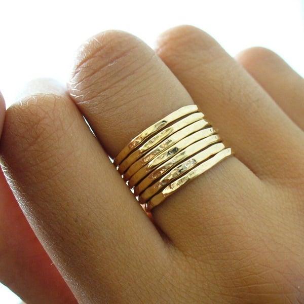 Tìm mua nhẫn vàng nữ trơn ở cửa hàng uy tín để lựa chọn được sản phẩm chất lượng
