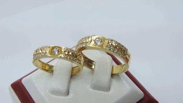 Lựa chọn cửa hàng cung cấp nhẫn vàng nữ 18k đảm bảo chất lượng