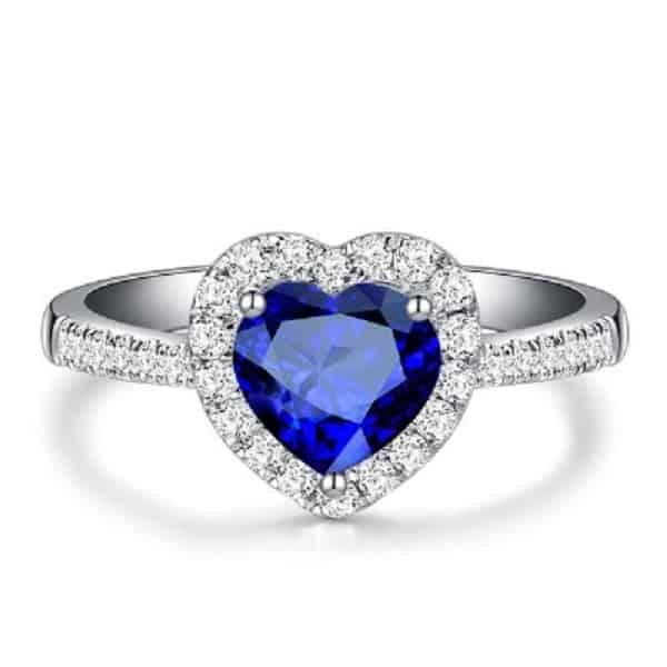 Mẫu đá gắn nhẫn hình trái tim