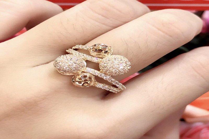 Đừng bỏ qua những kiểu nhẫn vàng nữ đẹp HOT nhất năm nay