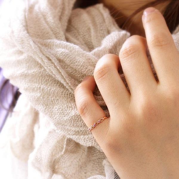 Nhẫn vàng nữ 18k màu sắc đẹp