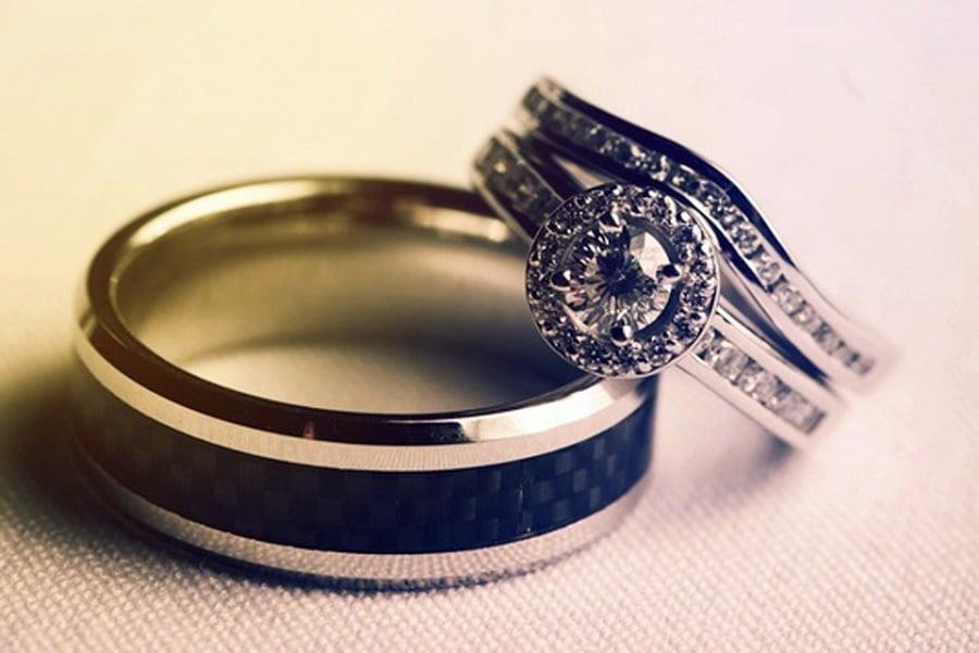mua nhẫn vàng tây nữ