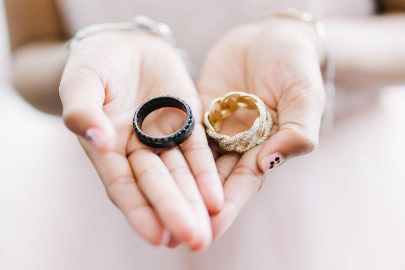 Cách sử dụng và bảo quản nhẫn vàng cho nữ đúng phương pháp
