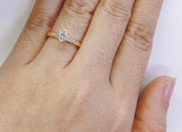 Kiểu nhẫn vàng tây nữ cổ điển