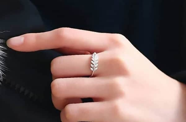 Mẫu nhẫn nữ dành cho người phong cách lãng mạn