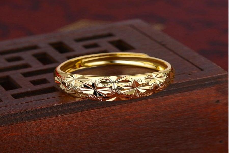 kiểu nhẫn nữ vàng 18k