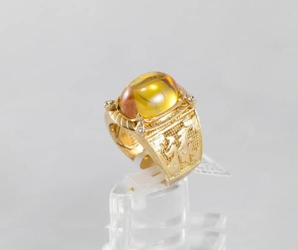 Mẫu nhẫn vàng nam chữ thập đính hột vàng