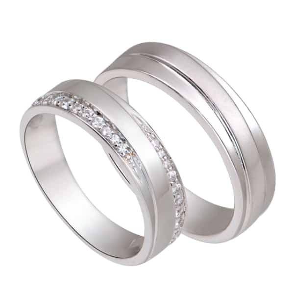 Vàng trắng là hợp kim của vàng nguyên chất và các kim loại quý hiếm khác như Niken, Platin, Paladin,..