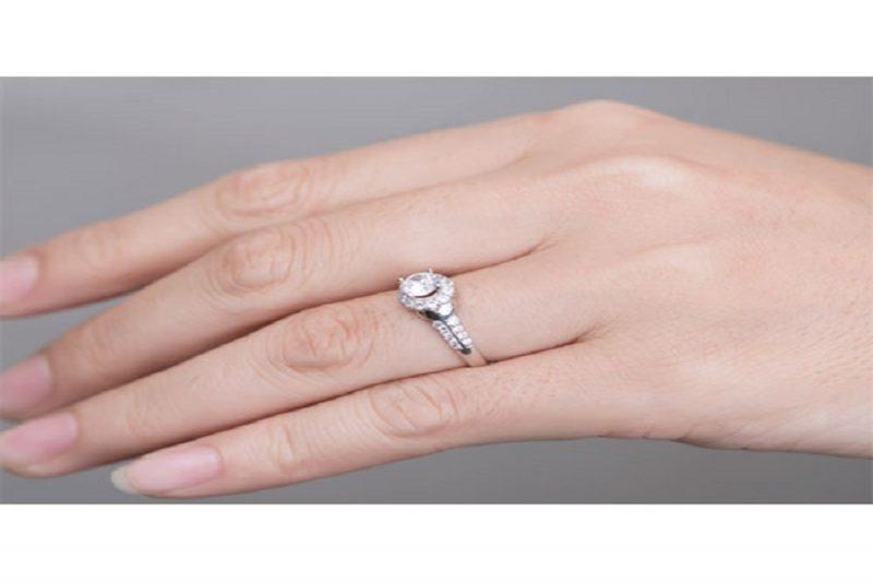 7 Mẫu nhẫn vàng trắng nữ bán chạy trong năm 2019