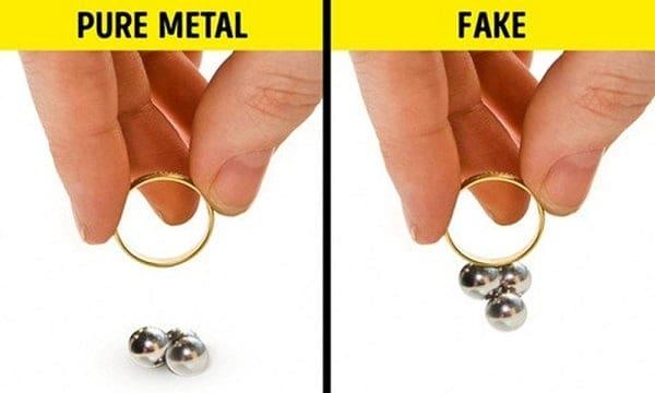 Sử dụng nam châm thử nhẫn vàng 18k