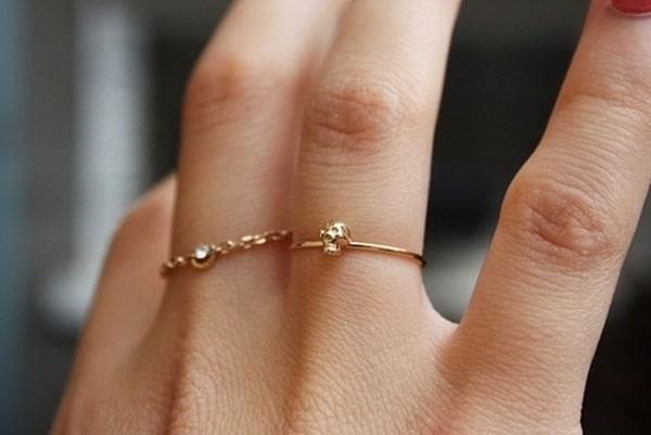 Mẫu nhẫn nữ vàng tây giá rẻ đối với cô nàng yêu thích sự ngọt ngào