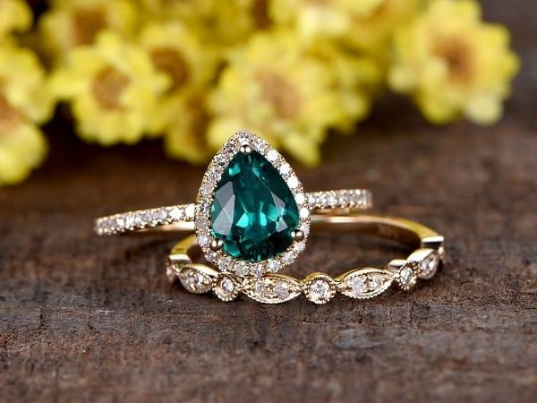 Mẫu nhẫn nữ vàng tây giá rẻ đối với cô nàng yêu thích sự gợi cảm, quyến rũ