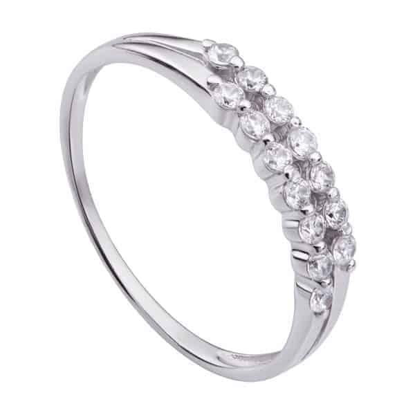 Nhẫn vàng trắng nữ 10k sẽ có giá thành rẻ hơn so với những chất liệu nhẫn 14k và 18k