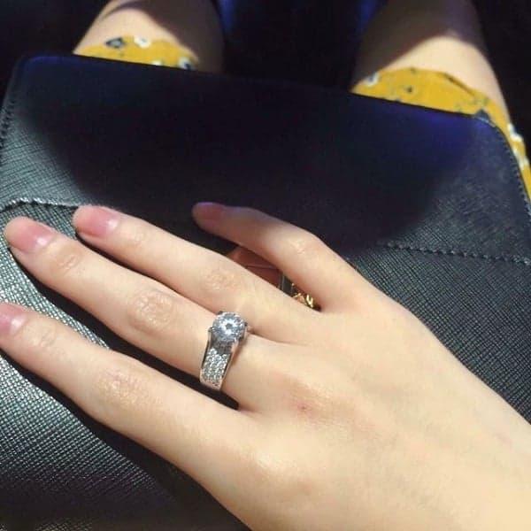 Mẫu nhẫn nữ vàng trắng ít lỗi thời
