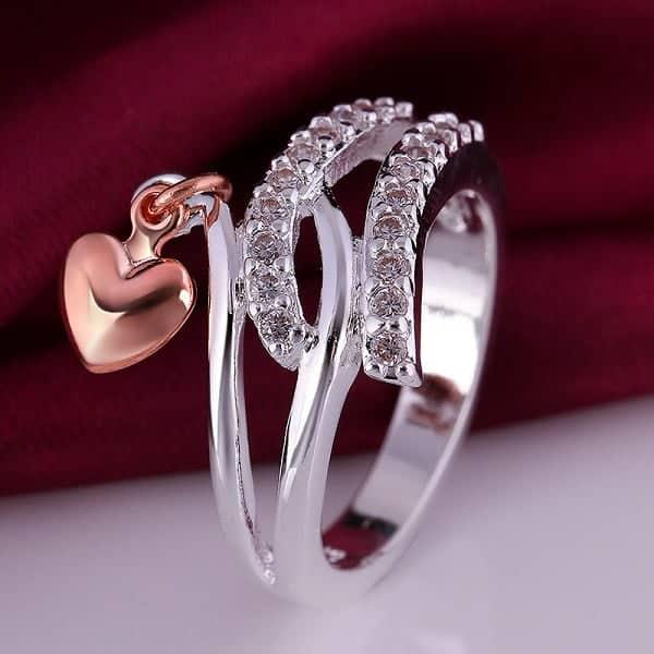 Mẫu nhẫn vàng trắng nữ hình dây quấn