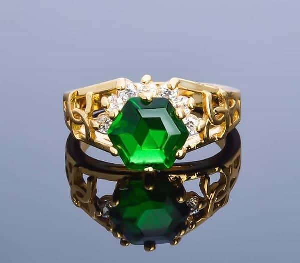 Nhẫn nữ vàng 18k đính đá màu