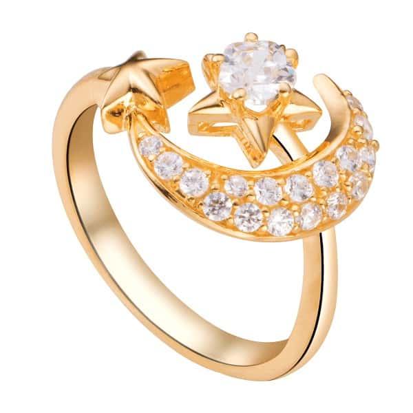 Nhẫn vàng 10k nữ có đặc điểm cứng chắc, giá thành hợp lý
