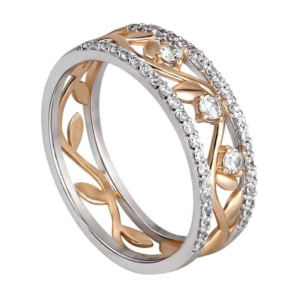 Vàng 10k là loại chất liệu được kết tinh từ việc nung chảy giữa vàng nguyên chất