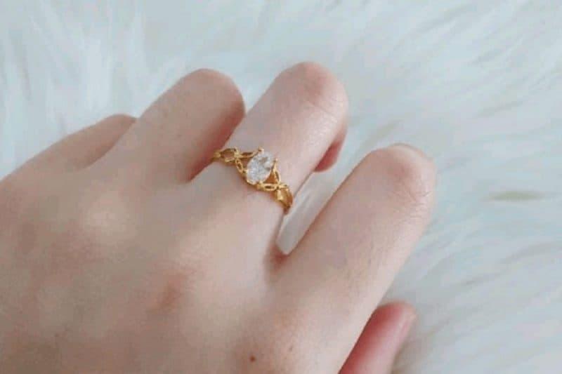Nhẫn vàng tây nữ giá bao nhiêu tại Đá Quý Kim Cương Spring D?
