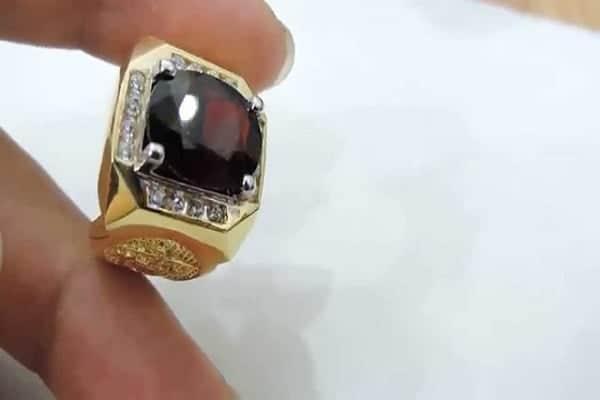 Nhẫn vàng nam phong thủy cho người mệnh Thổ