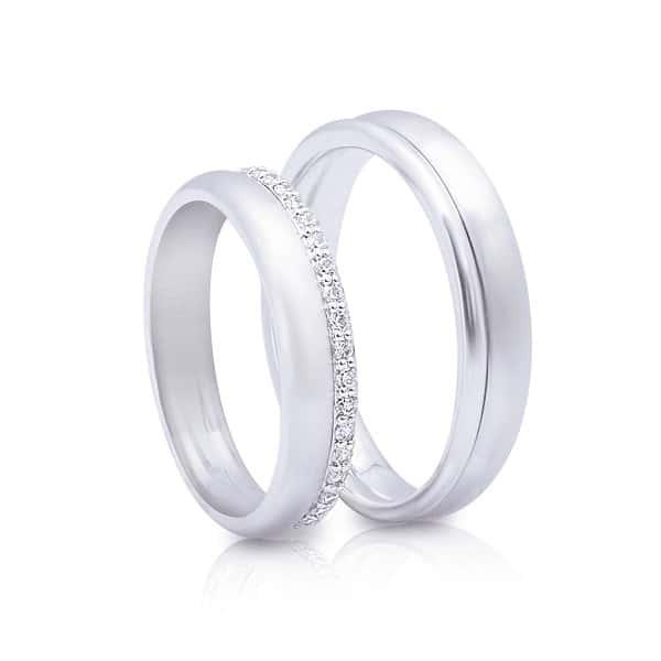 hẫn vàng nam trắng được tạo ra từ việc nấu chảy những kim loại quý như Niken, Platin, Pladin,...