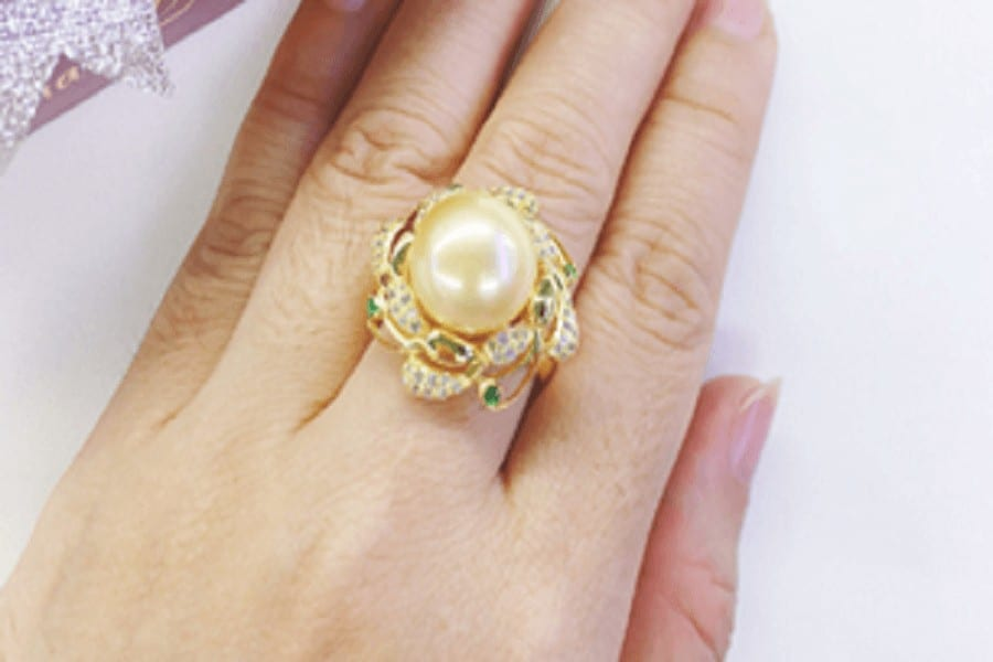 Nhẫn vàng tây nữ mặt đá Đông Xuân 2019 có gì đặc biệt?