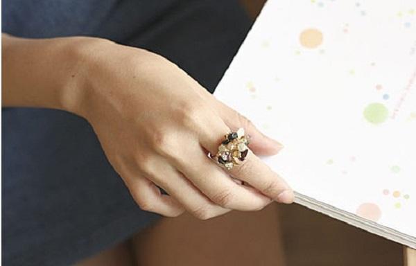 Sản phẩm nhẫn vàng nữ 18k dễ tạo kiểu