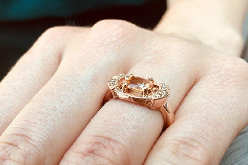 Những điều cần biết khi mua nhẫn vàng nữ
