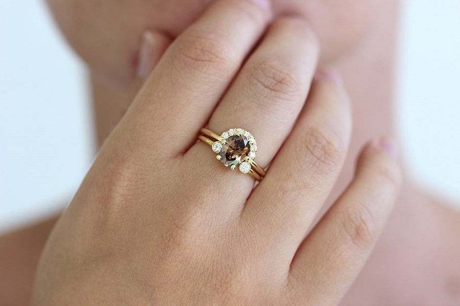 nhẫn vàng đính đá