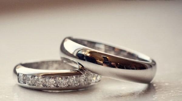 Vàng Ý là dòng bạc có nguồn gốc từ Ý chế tạo nên từ hợp kim bạc nguyên chất