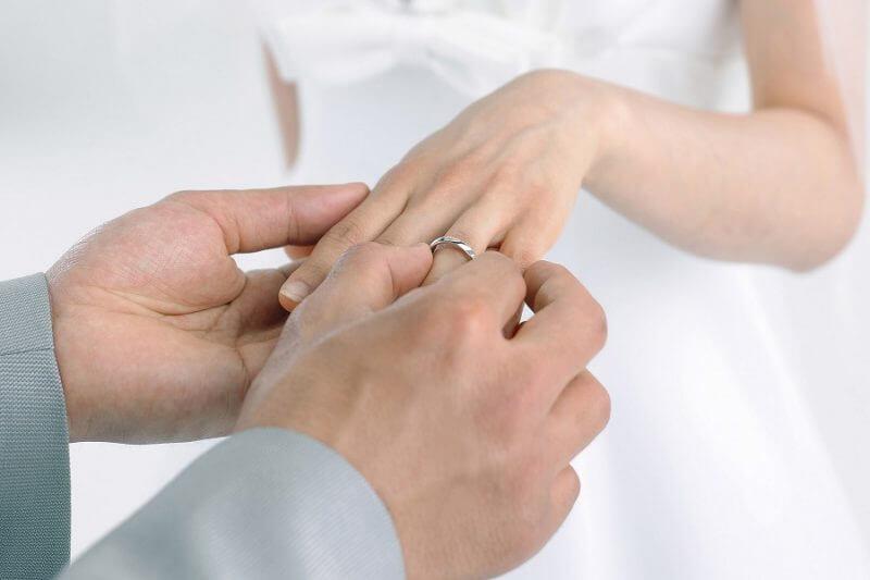 Kinh nghiệm chọn mua nhẫn cưới bằng vàng các cặp đôi nên biết