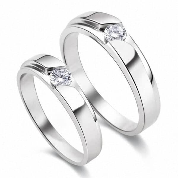 Chú ý bảo quan và vệ sinh nhẫn vàng Ý để luôn mang đến vẻ đẹp sáng bóng cho sản phẩm