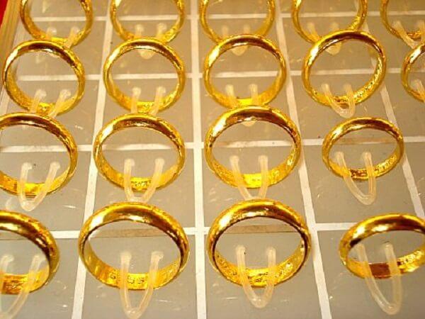 Nhẫn vàng 2 chỉ tương đương với 7,5g vàng