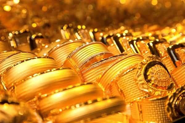 Giá nhẫn vàng 2 chỉ sẽ phụ thuộc vào chất liệu vàng, thương hiệu, cơ sở bán,...