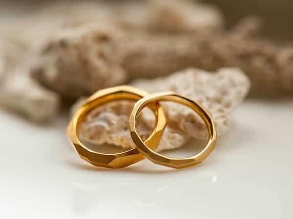 Cần đưa ra tiêu chí rõ ràng về cặp nhẫn vàng cưới đẹp cần mua