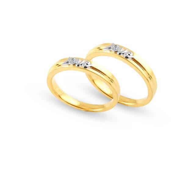 Kiểm tra trọng lượng của nhẫn vàng