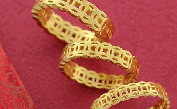 Mẫu nhẫn vàng tây kim tiền may mắn