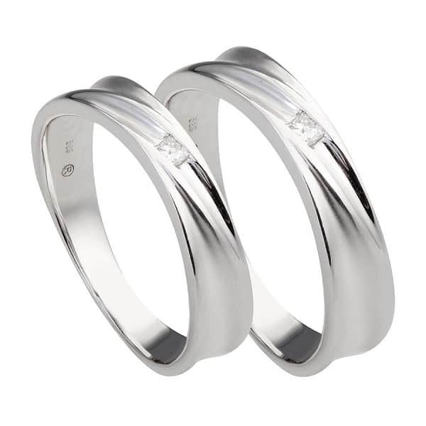 Nhẫn vàng trắng đính kim cương tự nhiên
