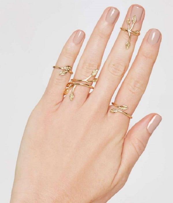 Mẫu nhẫn vàng tây hình hoa cho phái đẹp