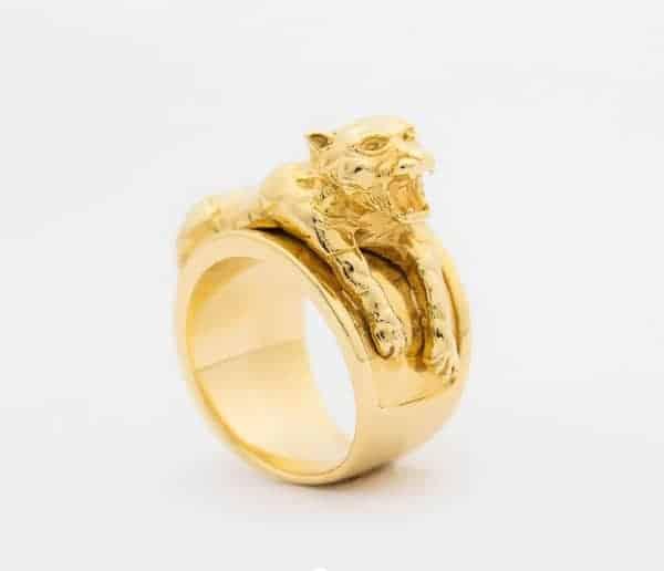 Mẫu nhẫn vàng cho nam giới đẳng cấp với mặt hổ