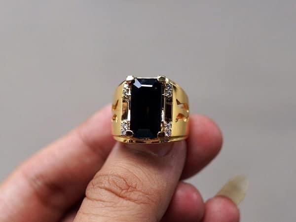 Mẫu nhẫn vàng cho nam 18k đính đá phong thủy