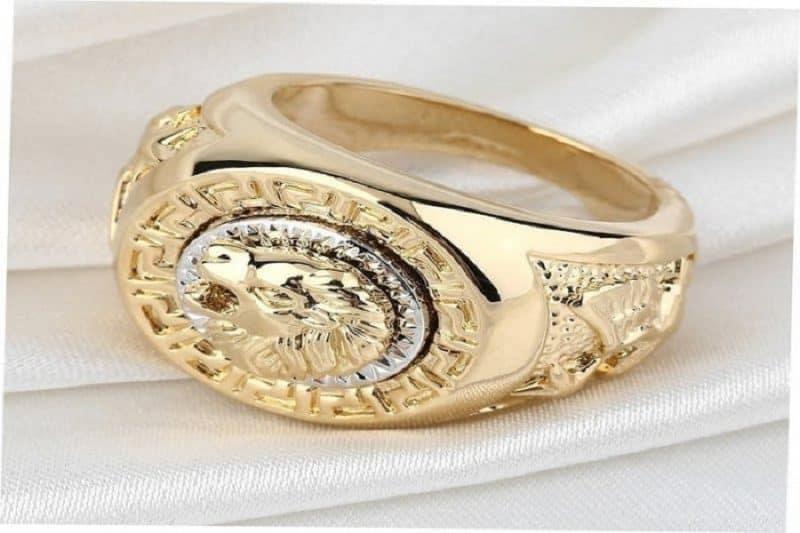 Những kiểu nhẫn vàng 18k làm các quý ông say đắm