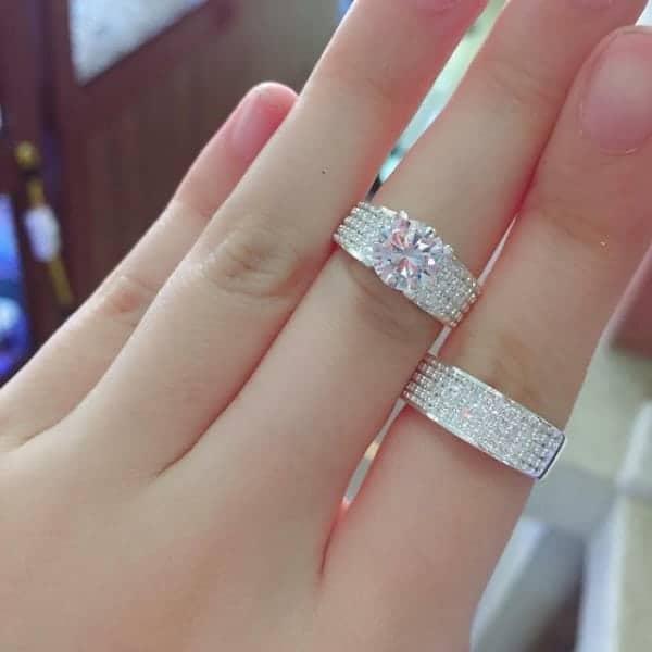 Mẫu nhẫn vàng trắng được giao động từ 3 – 20 triệu đồng