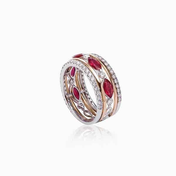 Nhẫn vàng thời trang đính đá quý