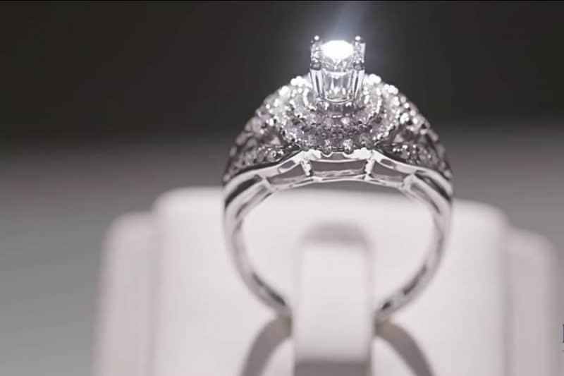 Các mẫu nhẫn vàng trắng hot nhất năm nay