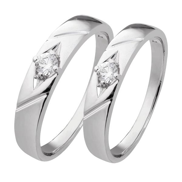 Những mẫu nhẫn đính đá và chạm khắc tinh xảo thường có giá thành cao
