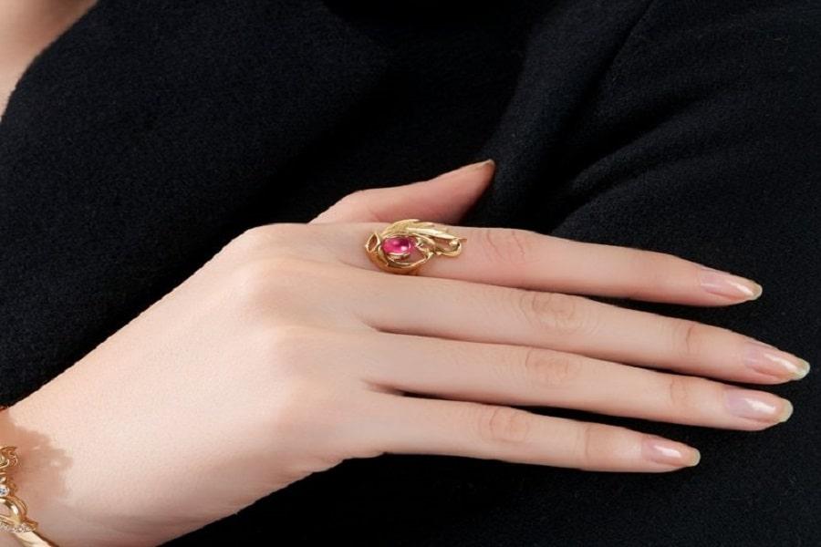 nhẫn vàng giá bao nhiêu