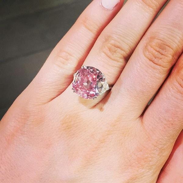 Mẫu nhẫn cưới Pink Star Diamond